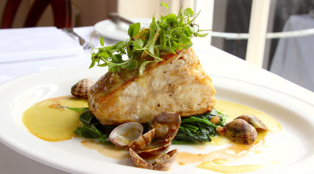 Gigha halibut, on the bone, with samphire & clams, and sauce béarnaise
